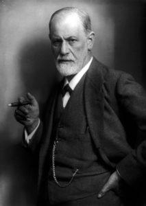 Sigmund Freud, primo analista del sogno, fotografato da Max Halberstadt, nel 1921